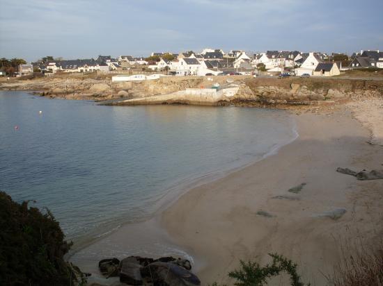 Vue sur petite plage de Ploemeur Kerroch