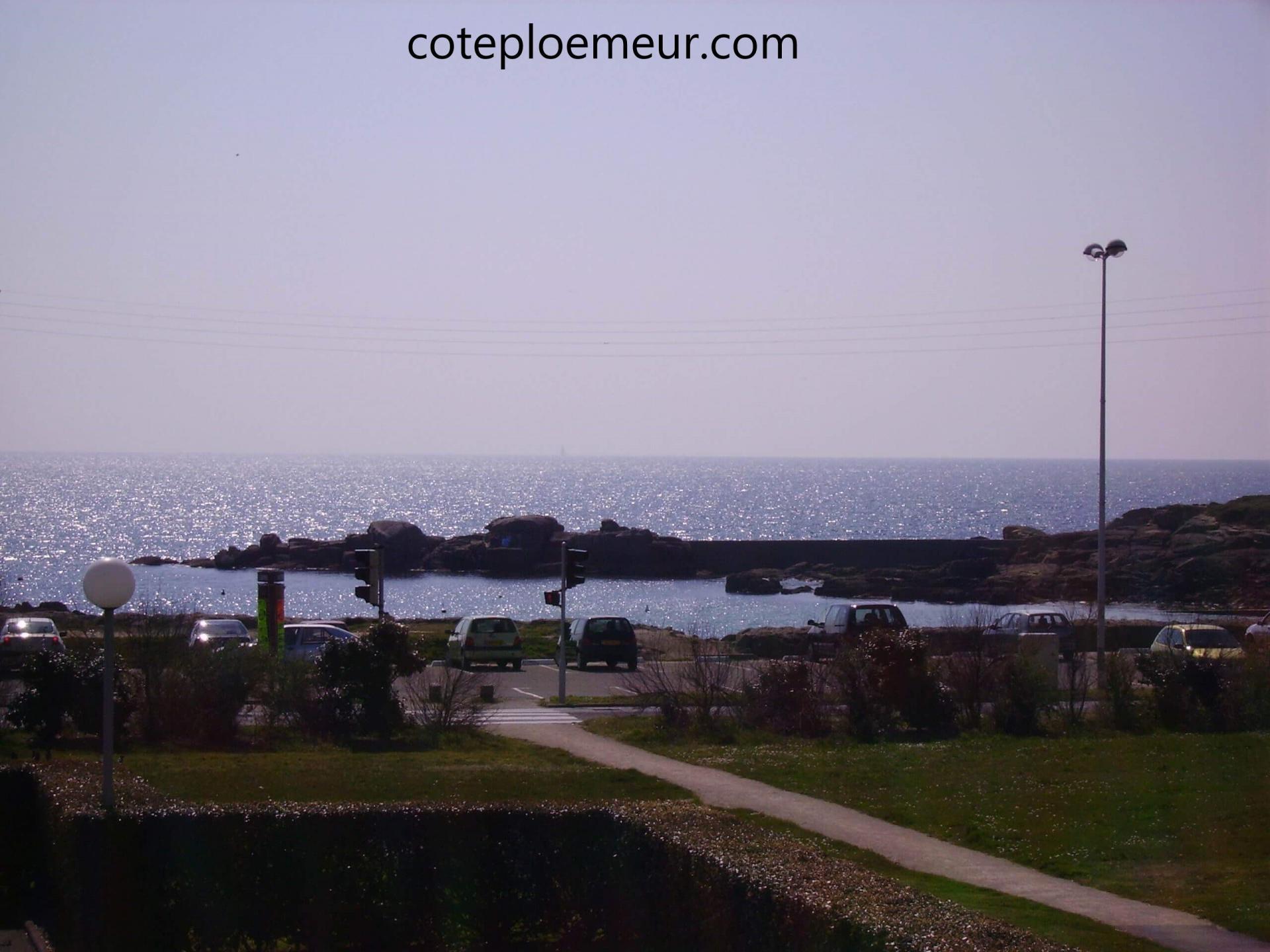 Vue sur la plage et l'Île de Groix de l'appartement C